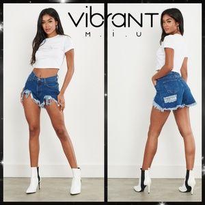 Vibrant M.I.U. High-rise V-Cut Raw Hem Sexy Shorts